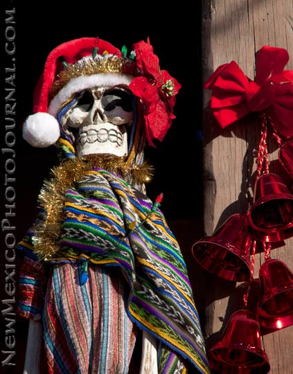 A calavera dressed up for Christmas