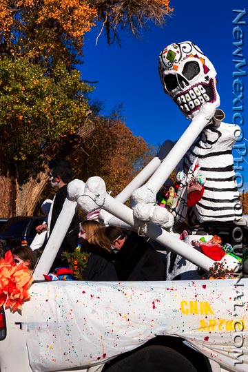 A skeleton float in the Muertos y Marigolds Parade